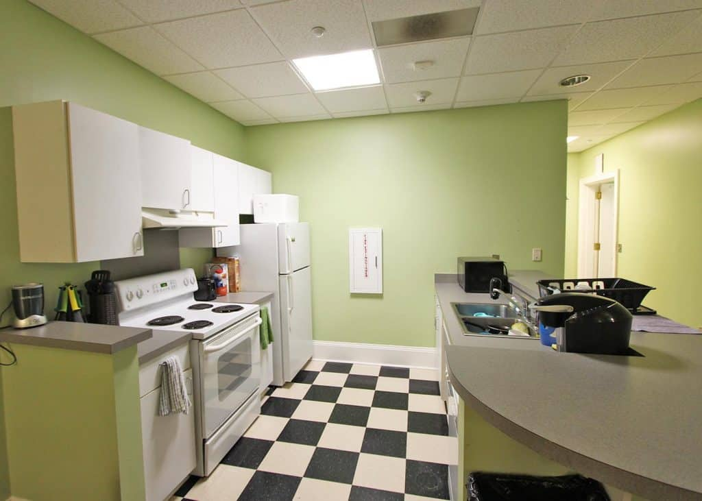 Kitchen in Bingham residence hall.