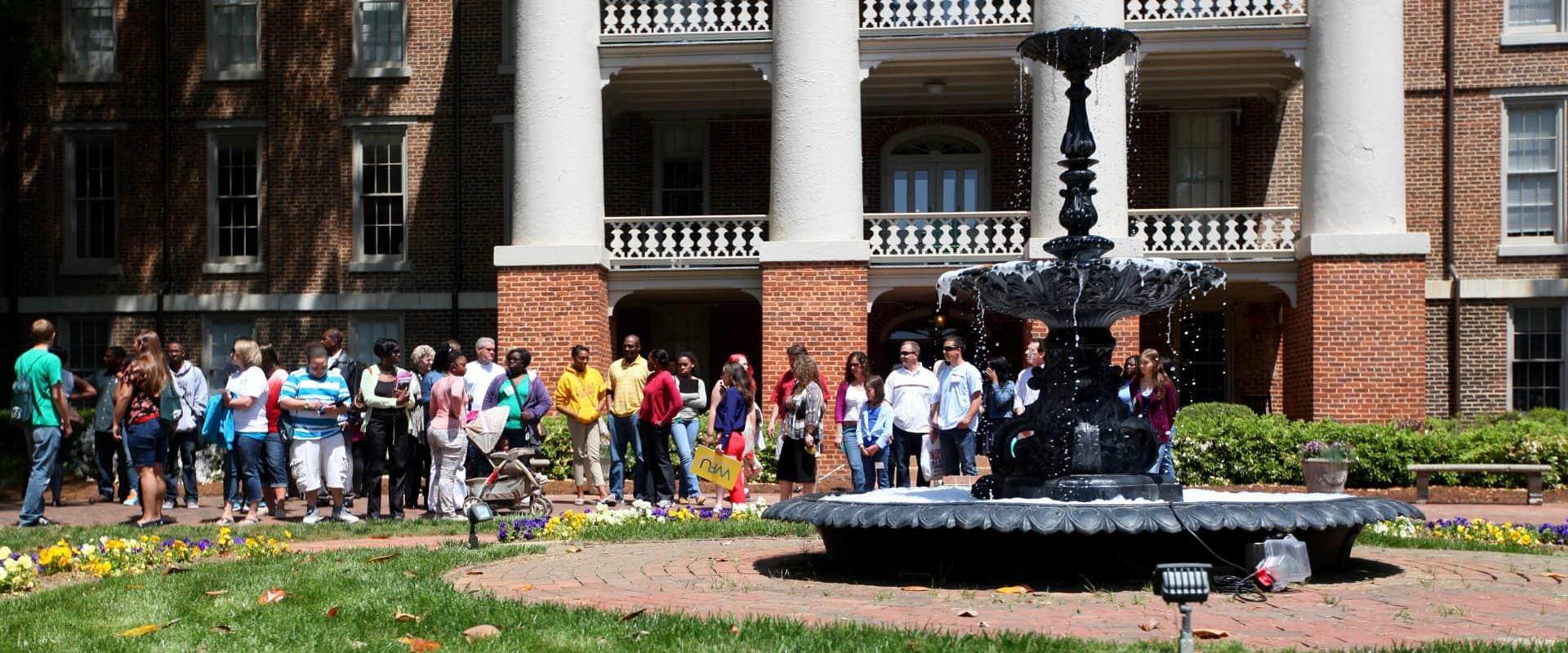 Prospective Peace Students on a campus-tour.