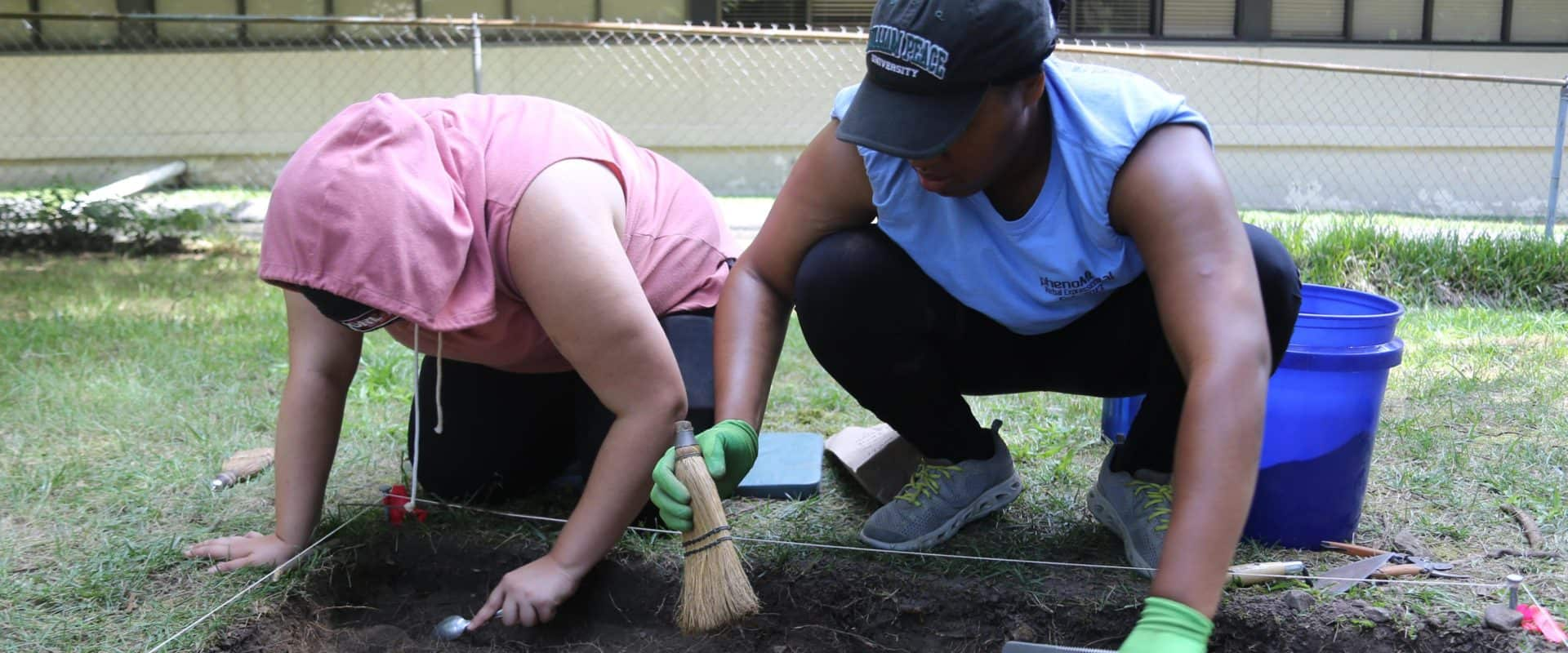 WPU Students at Oberlin Village Site Dig
